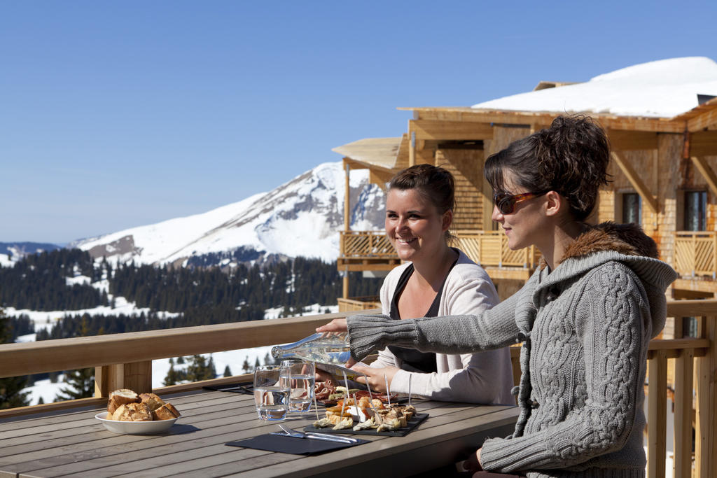 The Two Opposites Of Luxury Travel – Sun And Snow