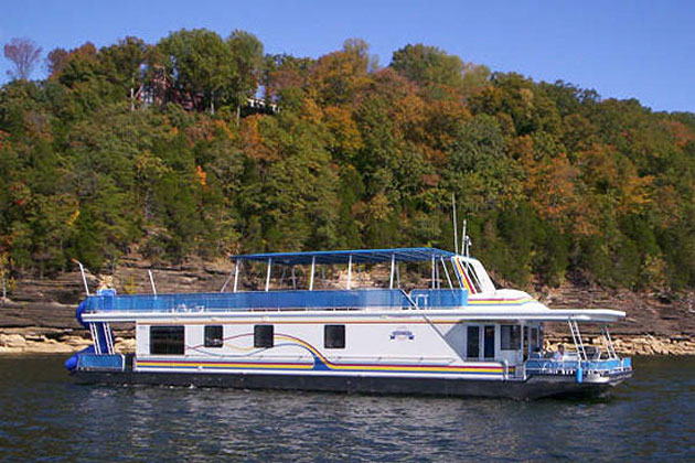 houseboating-in-lake-cumberland