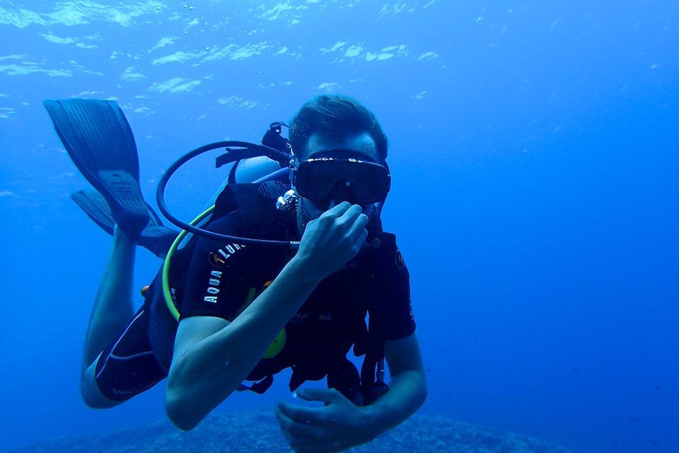 diving-1049477_960_720